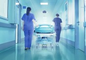 Общинските болници очакват тежка криза