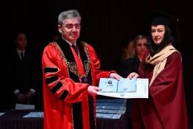 54 абсолвенти от Факултета по Фармация на МУ-Варна получиха дипломите си