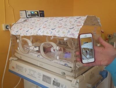 В УМБАЛ Бургас показва по вайбър недоносените бебета на родители им