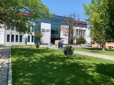 МУ-Пловдив прие извънредни мерки, студентите от 6-ти курс ще помагат в болниците