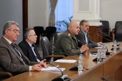 Д-р Хасан Адемов е с коронавирус, 146 души общо са хоспитализирани у нас (Обновена)