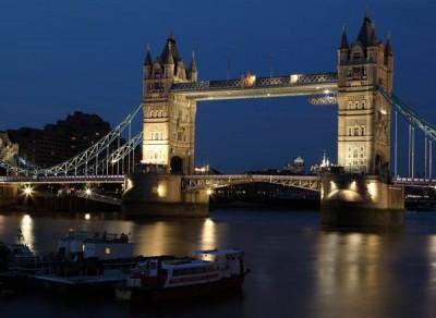 Принц Чарлз откри в Лондон полева болница с 4000 легла за болни от COVID-19
