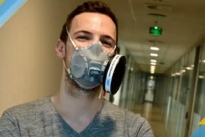 Българин създаде в Прага уникална предпазна маска срещу COVID-19