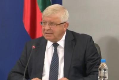 Министър Ананиев: Маските са задължителни само в градския транспорт (Обновена)