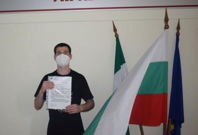 Доброволецът Иван Вакарелски: 6 седмици не излязох от COVID-отделението