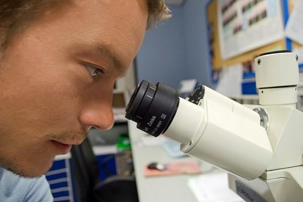Млад лекар тества върху себе си лечение за нелечима болест и влезе в ремисия