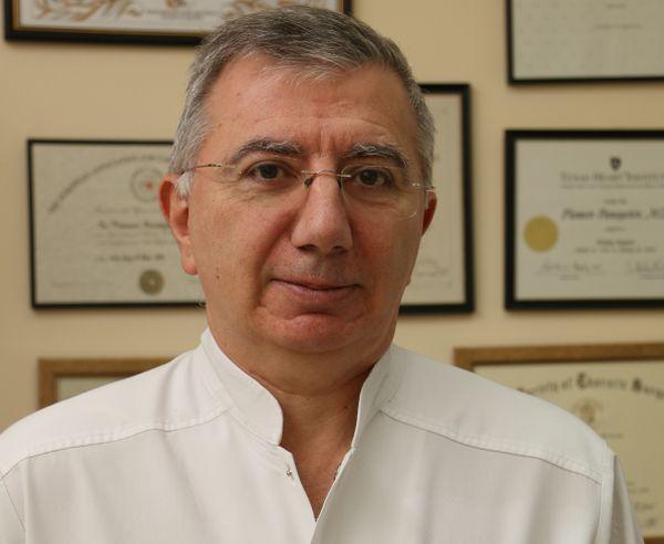 """Проф. д-р Пламен Панайотов е """"Лекар на годината 2019"""""""