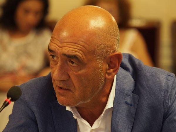 Д-р Дечев с остро писмо към национална телевизия