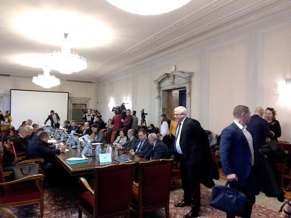 Изслушванета на д-р Дечев в НС се превърна в спор за реформата в здравеопазването (Обновена)