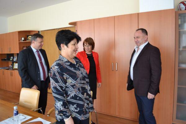 Две общини подкрепят МБАЛ-Казанлък