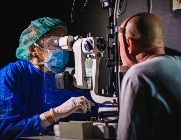 В МУ - Варна създадоха предпазни щитове за биомикроскоп, предоставят ги безплатно на офталмолози