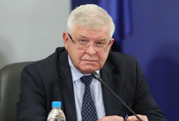 Министър Ананиев: МЗ не е предвиждало купуване на автомобили и офис техника за 2020 г.