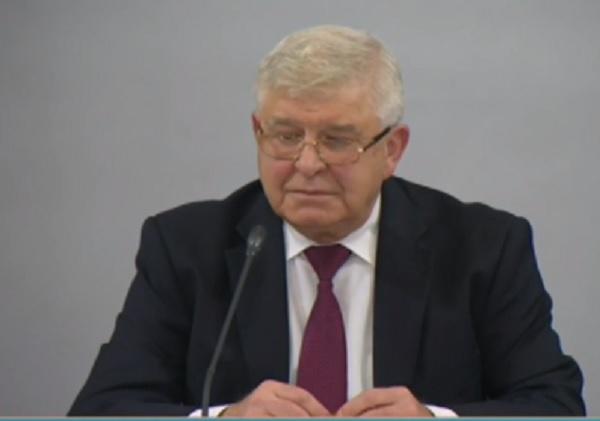 Министър Ананиев: Никой няма да връща пари