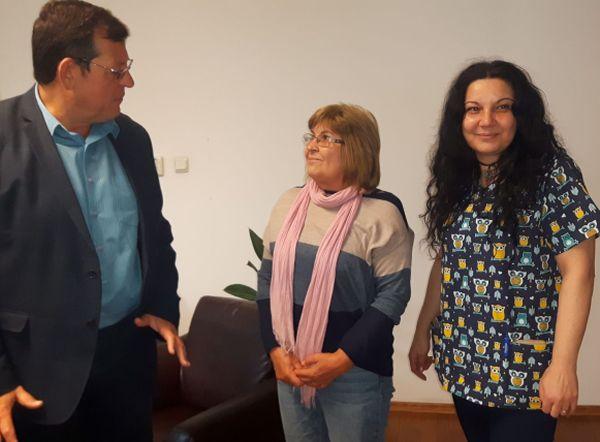 Медицинска сестра доброволка помага цял месец в Инфекциозно отдление на УМБАЛ-Бургас