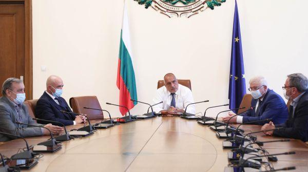 Борисов: Презапасете се с облекла, с маски, очила. Всичко трябва да е достатъчно и предостатъчно