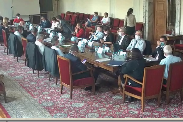 Депутатите гласуваха създаването на Национална аптечна карта