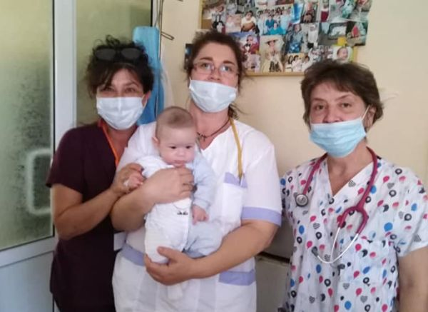 Недоносено бебе, родено в МБАЛ-Пазарджик, зарадва днес Неонатологичното отделение с перфектни мерки
