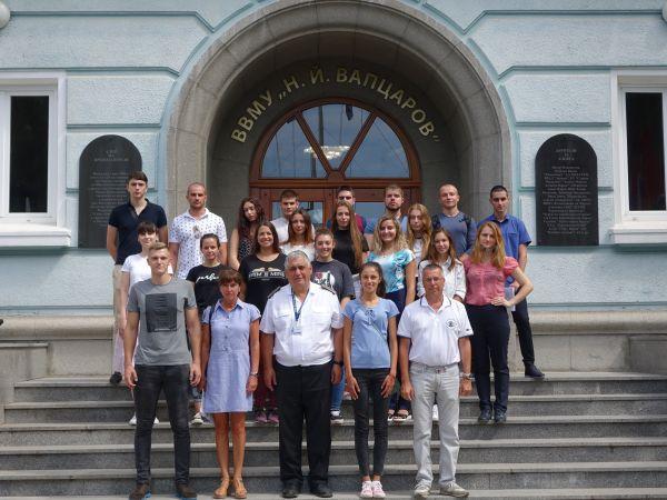 20 младежи са приети да учат за военен лекар