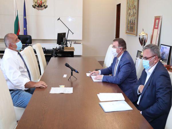 Борисов разпореди да се следи стриктно за изплащането на допълнителните средства на хората в сектора