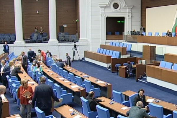 На 4 април се решава кой печели COVID-изборите