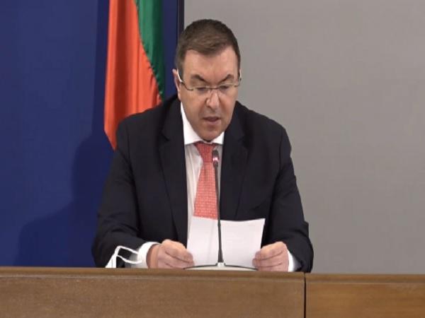 Министър Ангелов обяви официално в заповед кои мерки се разхлабват