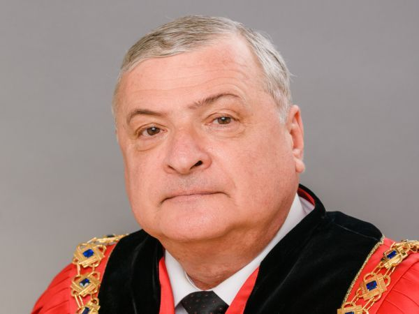 Ректорът на МУ-Варна поздрави лекарите по дентална медицина