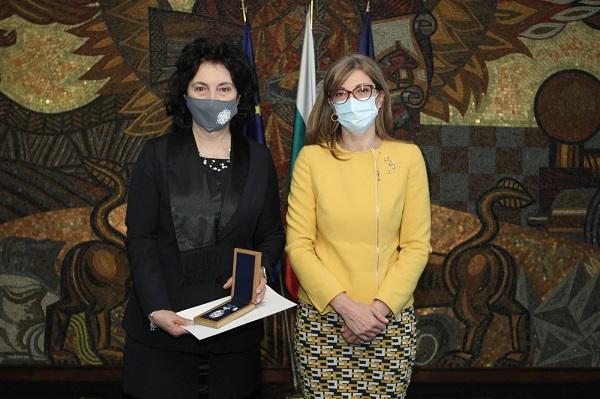 МВнР награди д-р Цезарина Илиева от Столичната РЗИ