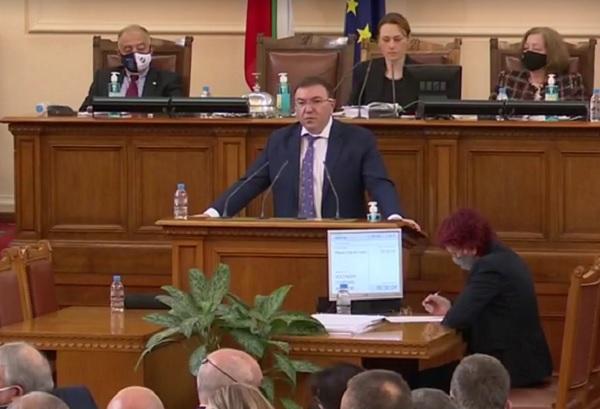 Проф. Ангелов поиска политическите партии днес да излъчат членове на НОЩ