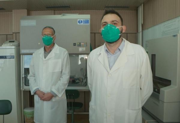Учени от НЦЗПБ: Няма данни българската мутация на коронавируса да е по-заразна