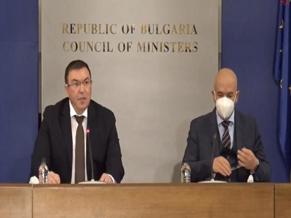 Проф. Ангелов: Българите си връщаме все повече свободата и нормалния живот (Обновена)