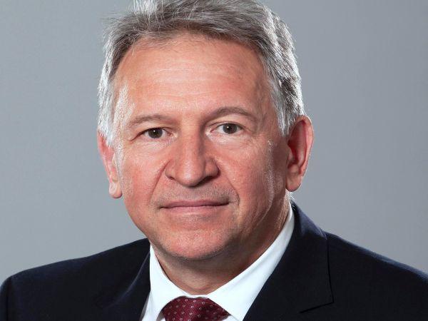 Д-р Стойчо Кацаров оглавява МЗ в служебния кабинет (Обновена)