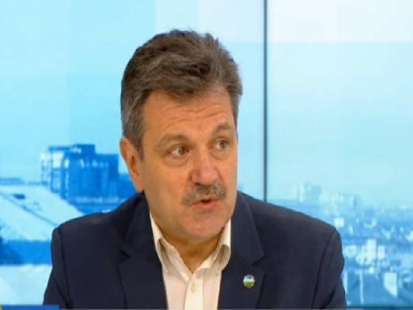 Д-р Симидчиев: Пандемията прилича на пожар, с който все още не сме се справили