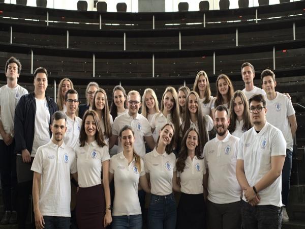 Шестима наши студенти по медицина бяха отличени в една от най-големите научни конференции в Европа