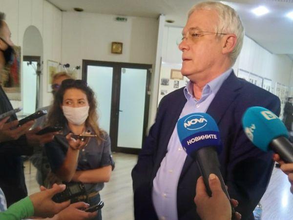 Проф. Салчев: Трябва да се търси рационална лекарствена политика и рационално изписване на лекарства