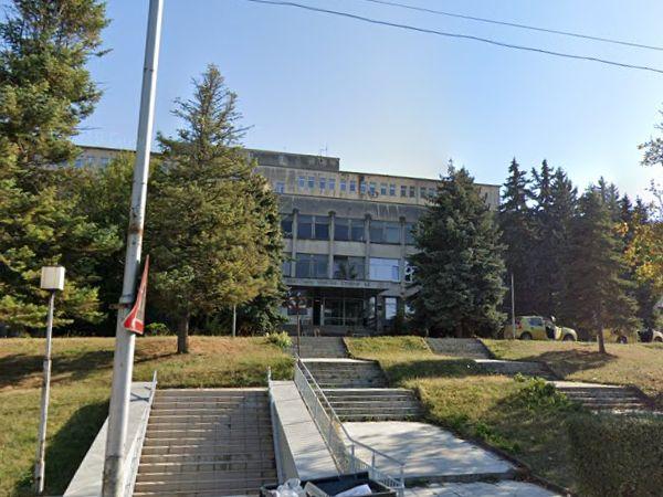 Само представителят на държавата избран в борда на болницата в Ловеч