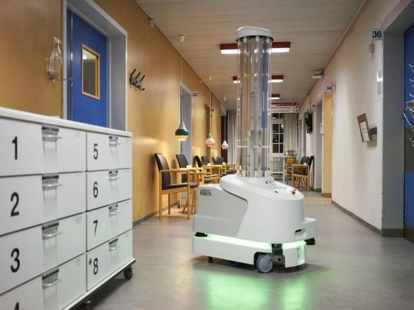 Първият робот, дарен от ЕС за дезинфекция срещу COVID-19, пристига у нас