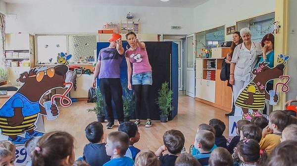 Мляко с три щама пробиотик дава здраве на българските деца