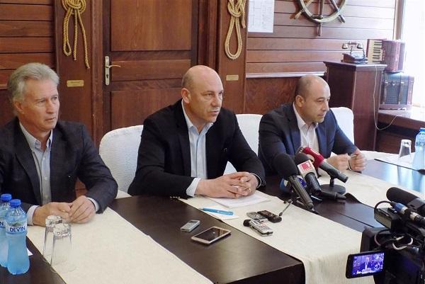 Кметът на Поморие пита военния министър за санаториума
