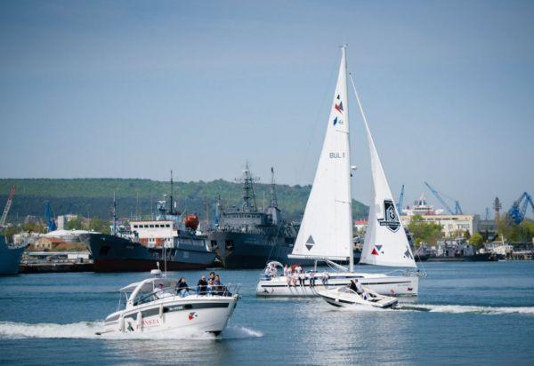"""МУ-Варна и УМБАЛ """"Св. Марина"""" осигуряват водна линейка за регатата Varna Channel Cup"""