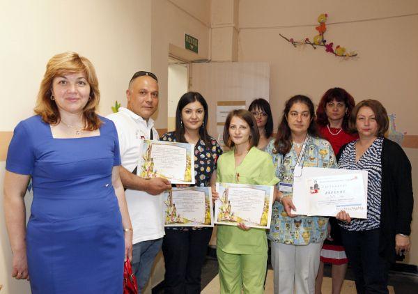 Бъдещи медсестри дариха средства на детска онкохематология в Пловдив