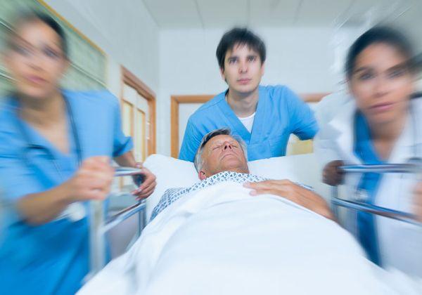 Нов стандарт по Спешна медицина със занижени изисквания за болниците предлага МЗ