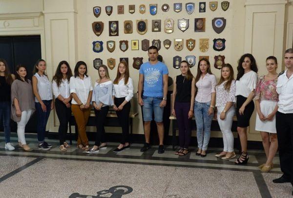 16 жени и 4-ма мъже започват обучение за военен лекар на 18 август