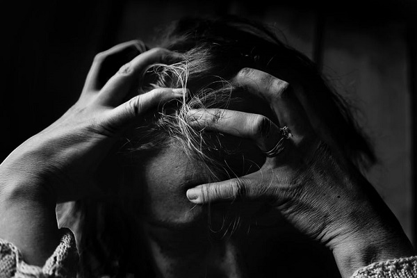 Заетите в здравеопазването сред най-рисковите групи за burnout