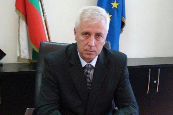 Министър Петров е изписан от ВМА
