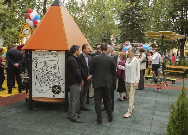 """Пирогов"" с нова детска площадка в двора на болницата"