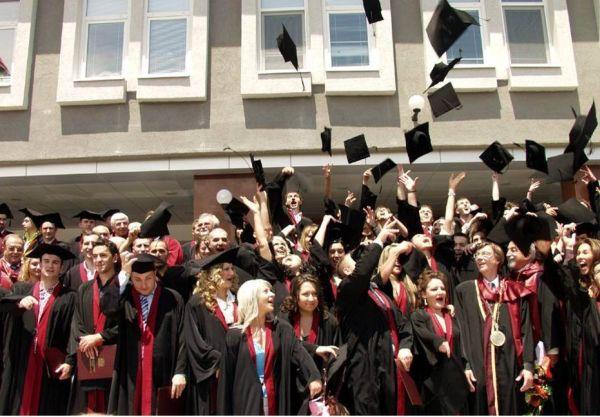 Завършва 42-ри випуск лекари по дентална медицина МУ - Пловдив