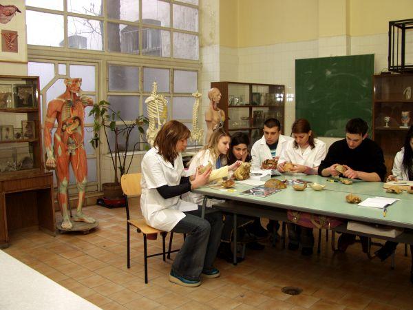 Курс по дисекция на нос със съвременни технологии ще преминат студенти на МУ - Пловдив