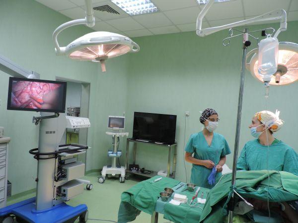 """Апаратура от последно поколение подобрява качеството при мозъчни операции в """"Софиямед"""""""