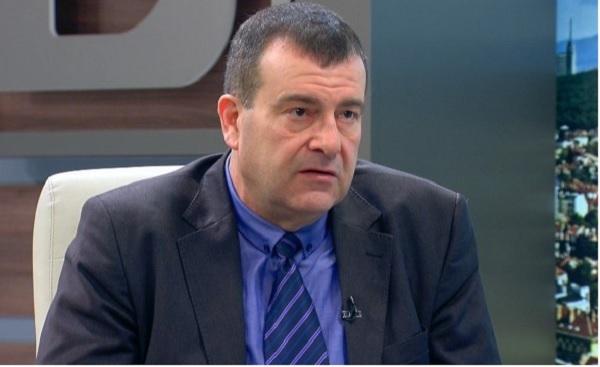 Д-р Димитър Петров напусна поста подуправител на НЗОК