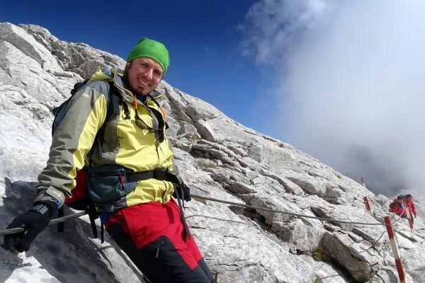 Д-р Янко Пъхнев: Планината ме научи на търпение, което сега ползвам в хирургията